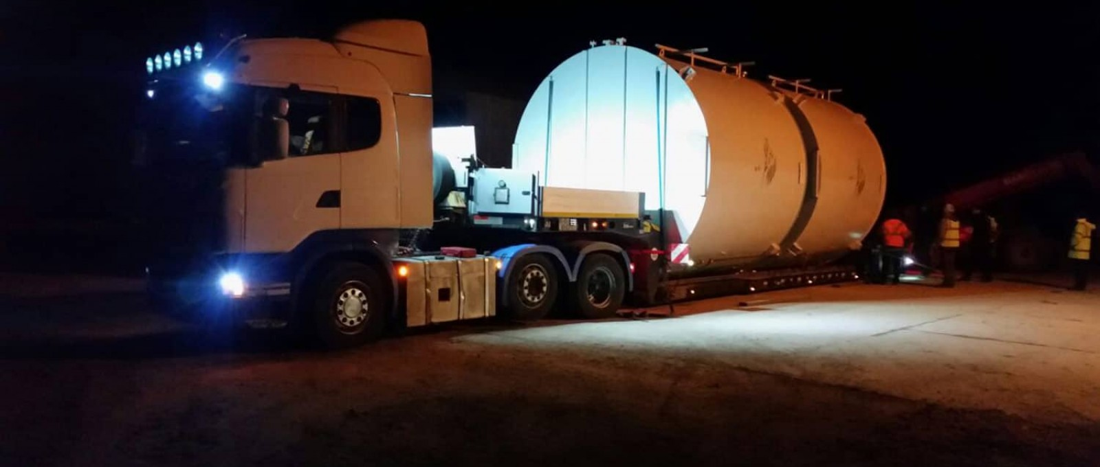 Heavy Haul Trucking Services based in Dublin, Ireland providing specialized cargo tranportation throughout the United Kingdom and Europe.